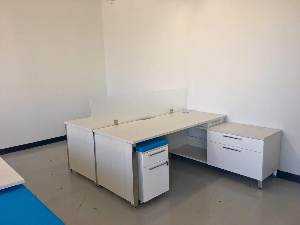 Fondation Jeune en Tete Open Area Workstation Setup (Single View)