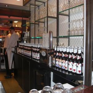 Relance de la tradition du Beaujolais nouveau à la Brasserie Chez Jules