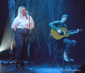 Safia Nolin chantant ''Quand j'aime une fois...'' Photo @Lise Breton
