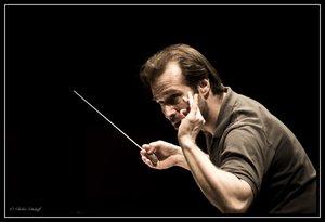 Fabien Gabel chef  et directeur musical de l'OSQ