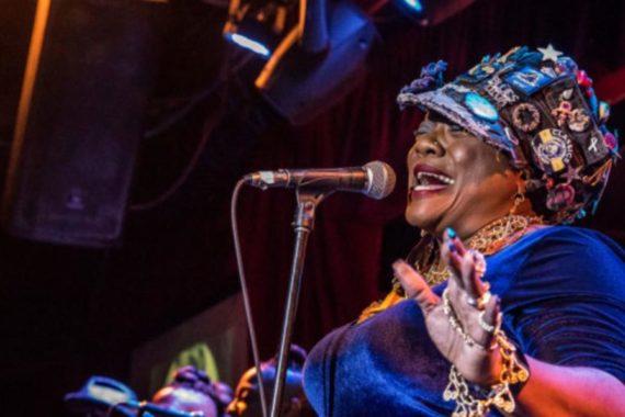 Thornetta Davis : Une reine au Palais