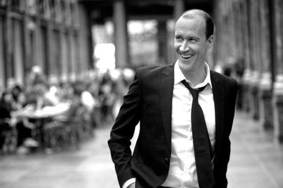 David Linx et le Brussels Jazz Orchestra revisitent les incontournables de Brel à la manière jazz