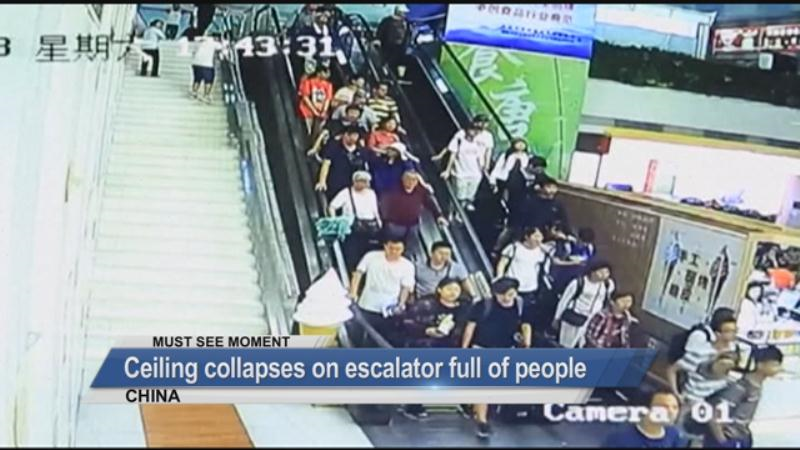 MUST SEE: A ceiling collapsed on escalator