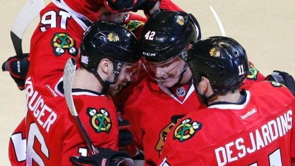 the-habs-runs-out-to-face-blackhawks