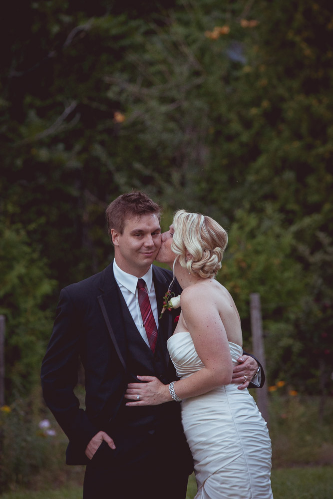 fall-apple-orchard-wedding-132
