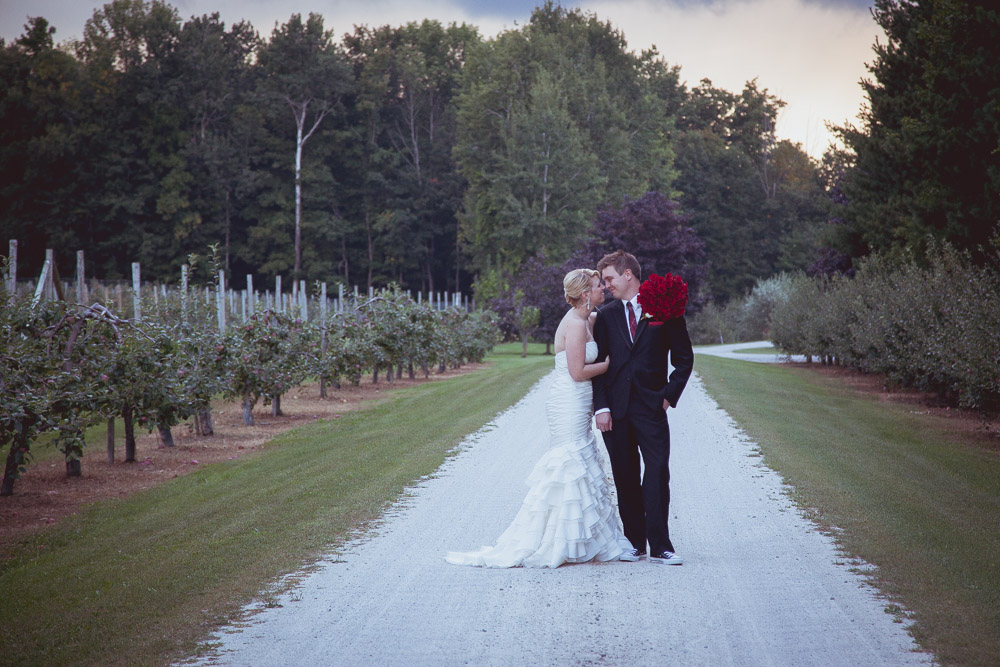 fall-apple-orchard-wedding-127