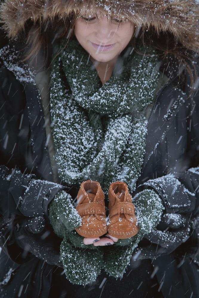 winter-maternity-photos-438