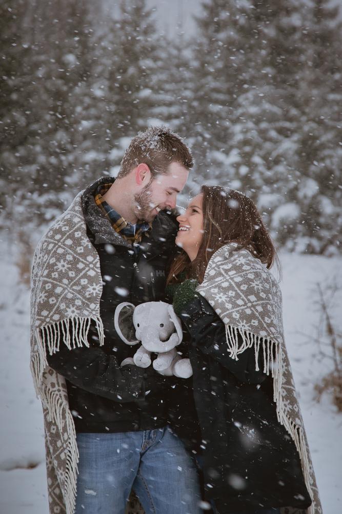 winter-maternity-photos-419