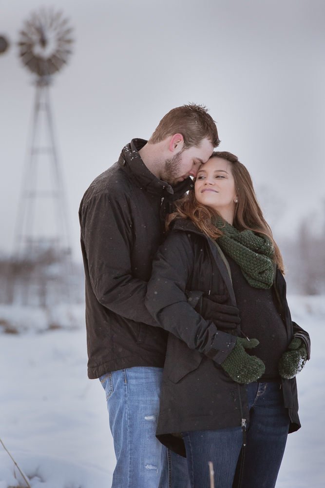winter-maternity-photos-400