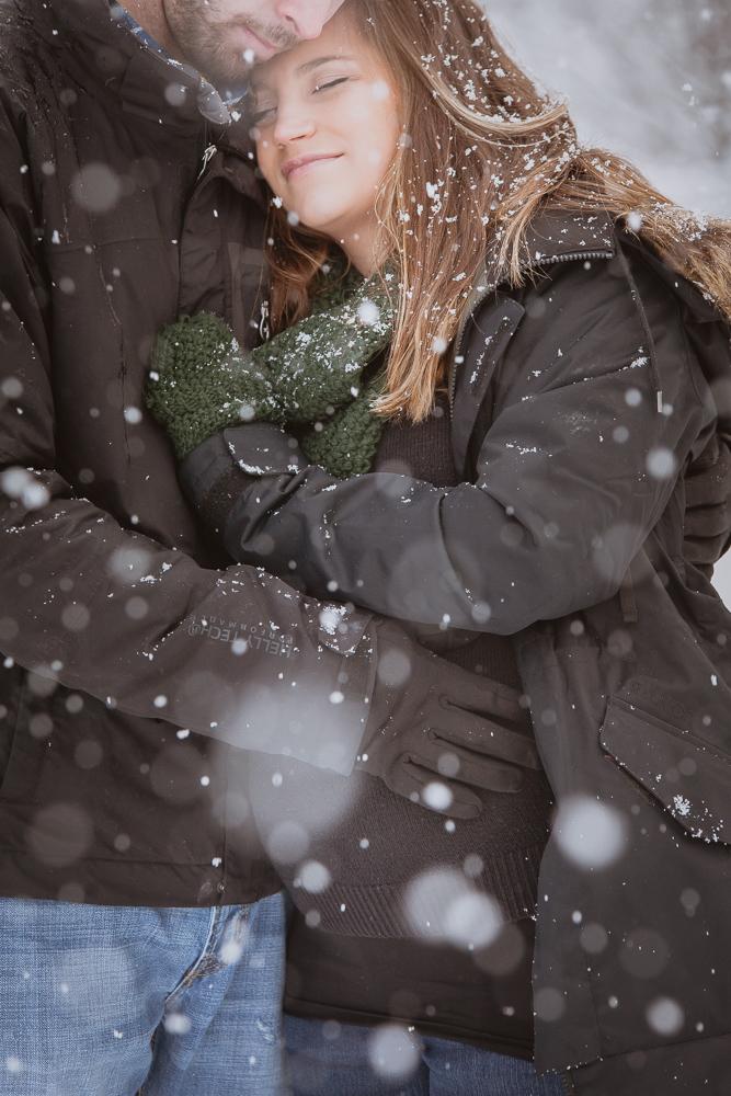 winter-maternity-photos-342