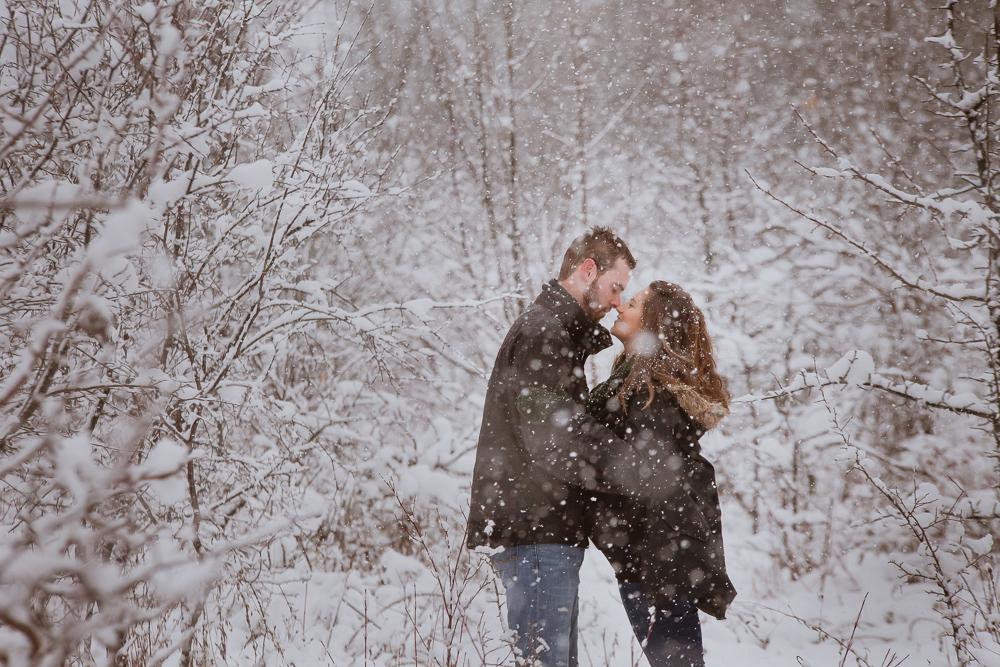 winter-maternity-photos-336