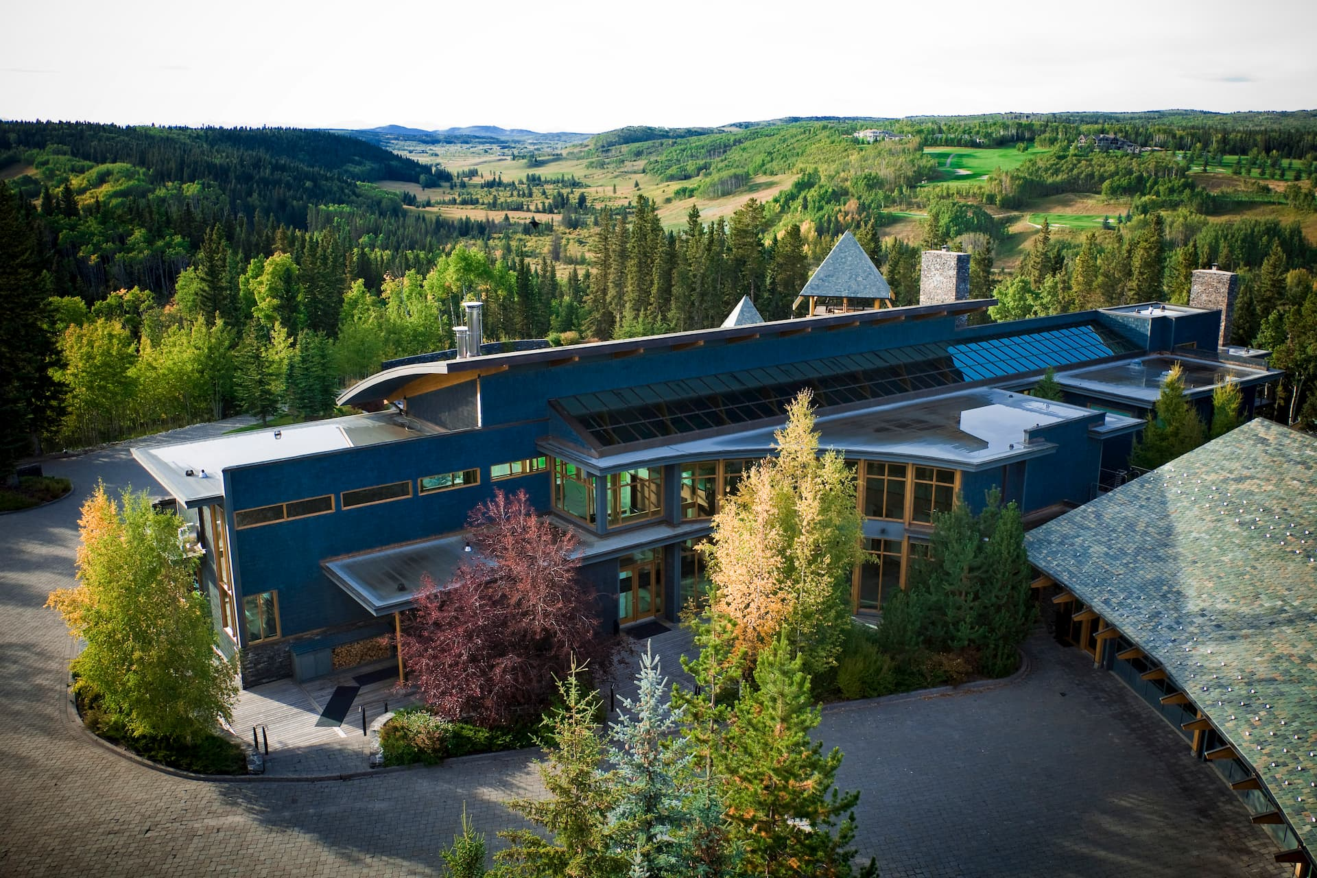 Azuridge Estate Hotel and The Foothills of the Canadian Rockies