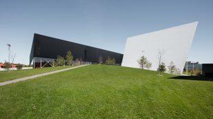 Complexe Sportif de Ville Saint-Laurent, Saucier +Perrotte Architectes