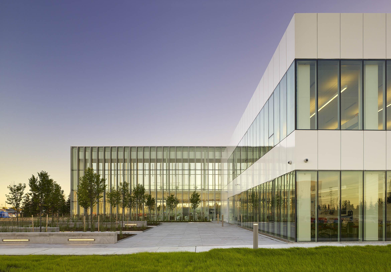 Williams Parkway Operations Centre, Rounthwaite Dick & Hadley Architects, Brampton