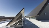 CANMET Solar walls and solar thermal collectors (Photo: Peter Sellar)