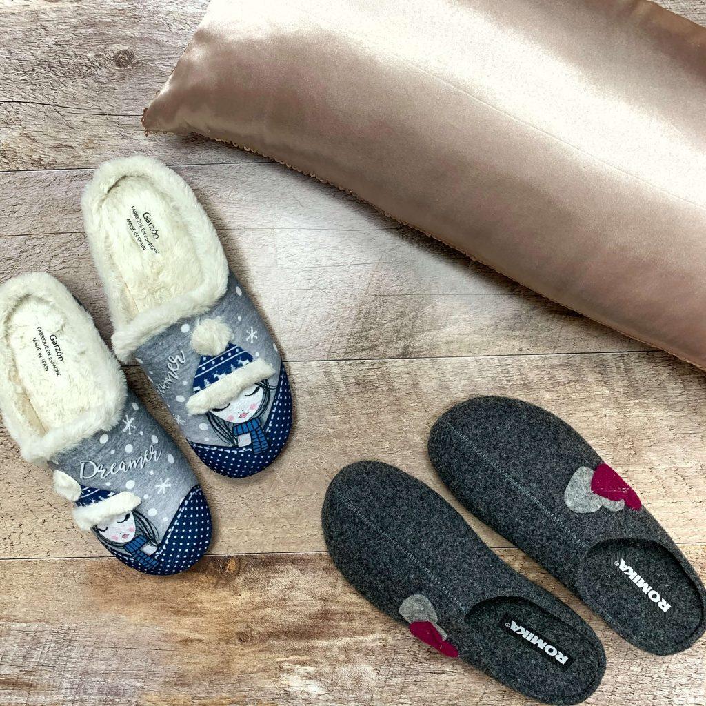 Pantoufles en textile avec illustrations Garzon pantoufles en laine bouillie grises Romika pour femmes