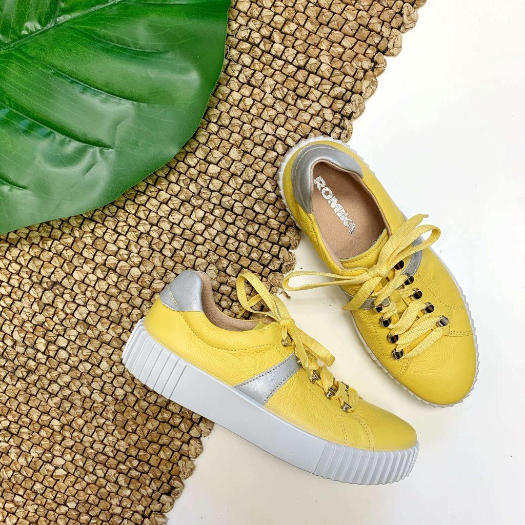 Chaussures jaunes Romika pour femmes