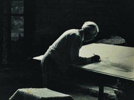 Frank Lloyd Wright. Photographer unknown.