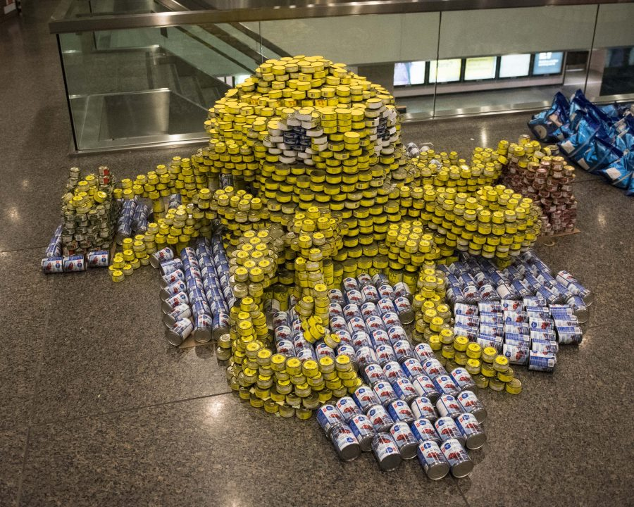 Canstruction Toronto. Four Pairs of Arms by Diamond Schmitt Architects and Arup Canada. Photo by David Crowder Photography.