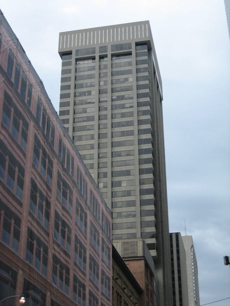 The Simpson Tower in 2008, prior to re-cladding. Photo by SimonP via Wikimedia Commons.
