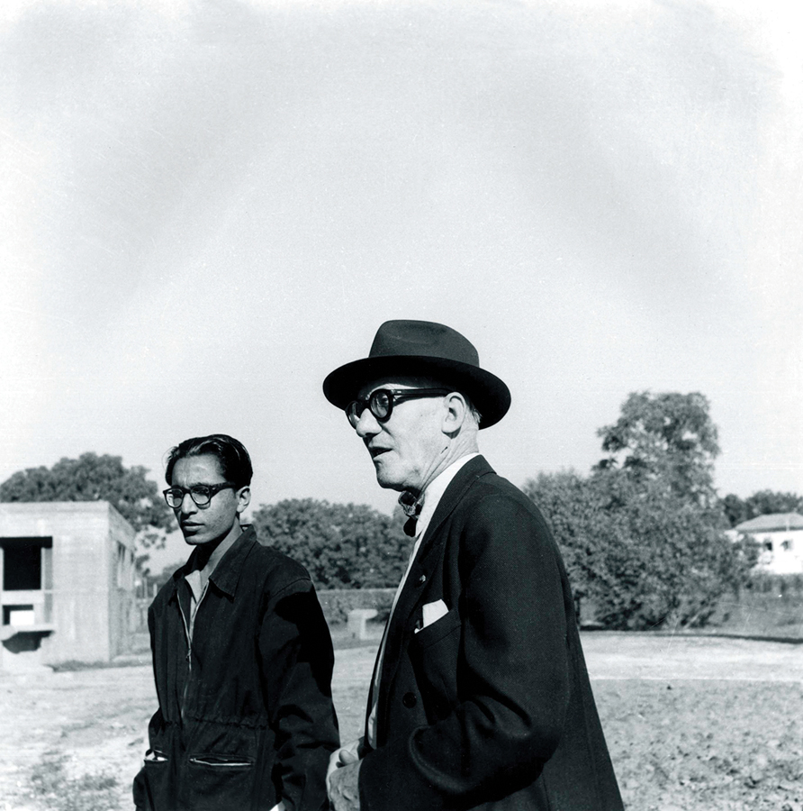 Young Balkrishna Doshi with his most important mentor, Le Corbusier