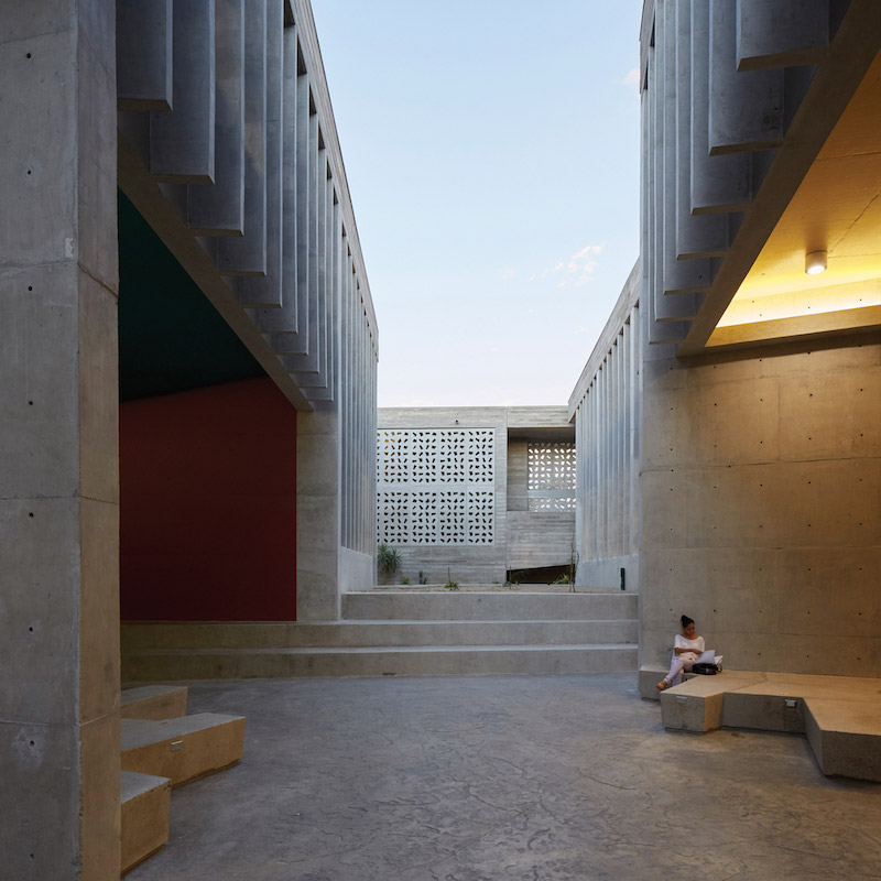 udep-barclay-crousse-architecture-education-peru-concrete_dezeen_sq-2