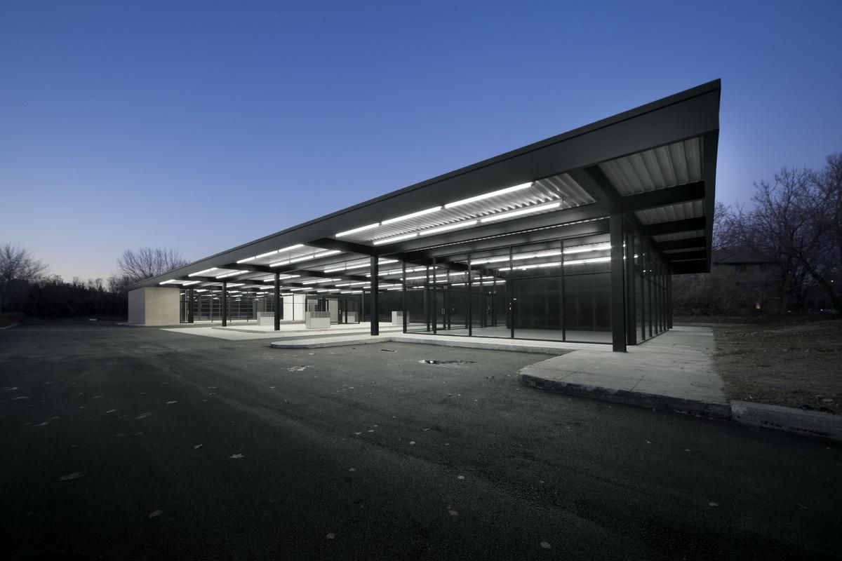 Recyclage de la station-service de Mies van der Rohe, Architectes: Éric Gauthier les architectes FABG Photo credit: Steve Montpetit