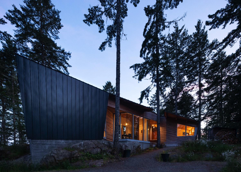 Campos Studio unveils Sooke House