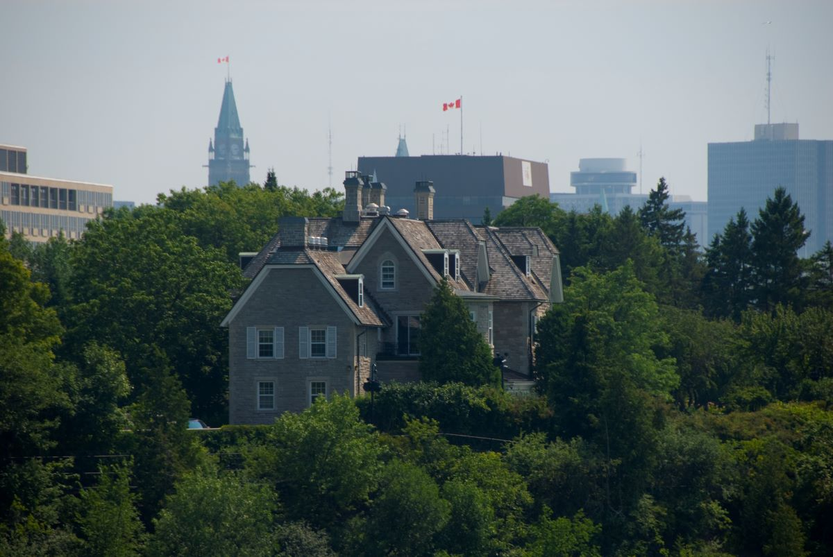 Carleton architecture students share design ideas for 24 Sussex Drive with NCC