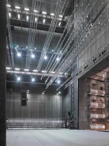 A Vast Improvement Over the Canadian Opera Company's Former Home at the Hummingbird Centre, There Is Now a Full Rear and Two Side Stages to Allow Three Full Productions to Run Simultaneously. the New Fly Tower Is 11 Storeys High.