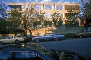 Thom's design for expressed concrete condominiums in Vancouver's Point Grey illustrates the influence of his mentor Arthur Erickson. Horst Thanhuser