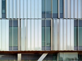 Stainless steel panels and fins create an intriguing exterior cladding surface.