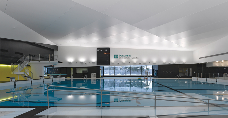 Interior image of the aquatic centre in Saint-Hyacinthe, completed with TLA. James Brittain