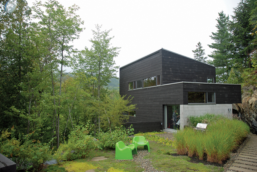 A country house designed by Vincent Boyer. Liliane Bergevin
