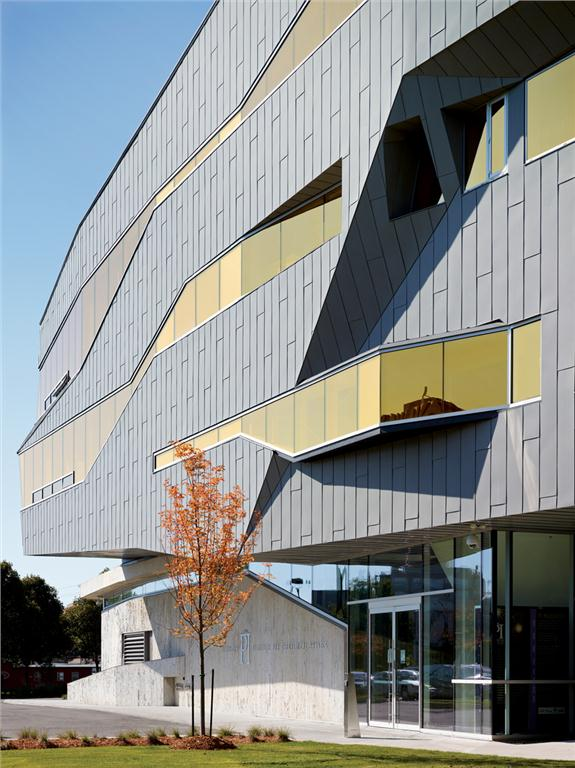 The new entrance to Perimeter Institute through Teeple Architects' daring addition.  Shai Gil