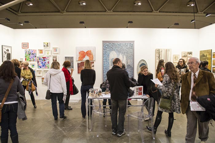 3D gallery at the 2012 art toronto. image courtesy of art toronto and arash moallemi.