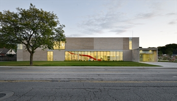 stoney creek recreation centre by lintack architects with RDH architects(associates) won an award of merit