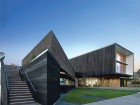 The sharply angled geometries of the building's south elevation draw staff and visitors into the building. Ema Peter