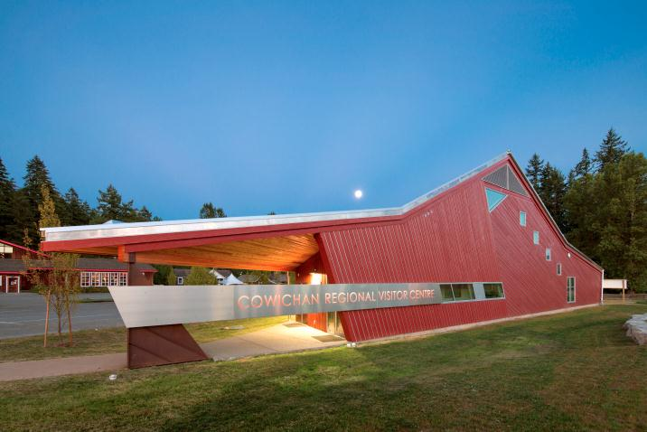 cowichan regional visitor centre. cohlmeyer architecture limited.