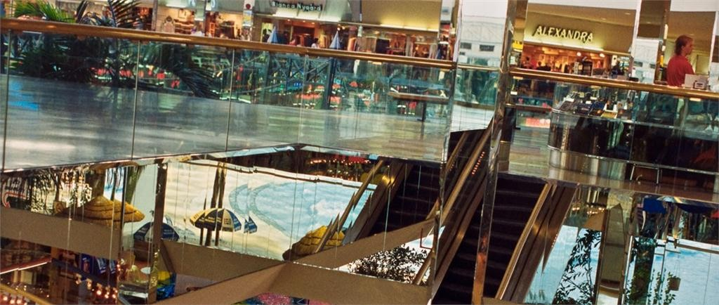vikky alexander: west edmonton mall series, no. 17 (detail), february 1992. national gallery of canada, ottawa. photo  NGC