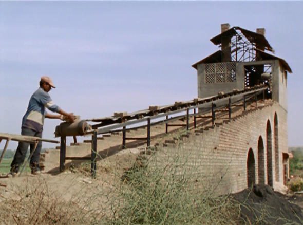 """still from the film """"in comparison."""" image courtesy of video data bank, www.vdb.org."""