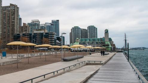 ROMwalks waterfront walking tour
