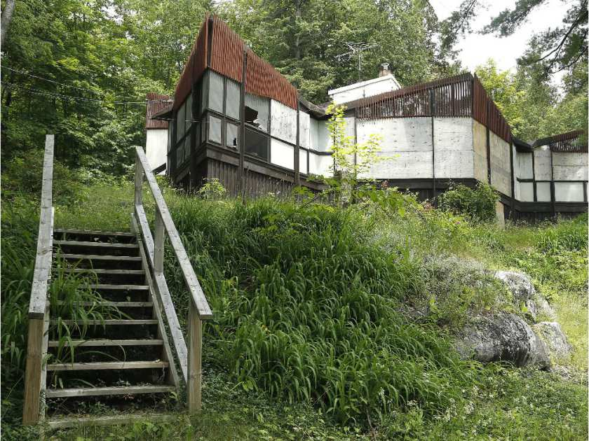 the strutt house is a modernist heritage house in gatineau park. the NCC says it will be rehabilitated and opened to the public in 2017 as a confederation pavilion. photo by julie oliver of the ottawa citizen.