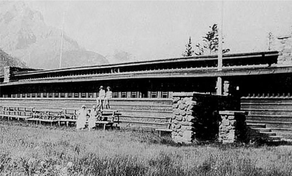 Exterior of Frank Lloyd Wright's Banff Park Pavilion. Courtesy of Frank Lloyd Wright Revival Initiative.