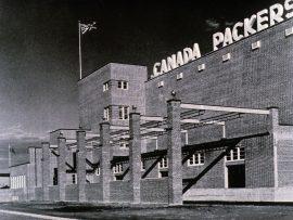 This image of the Canada Packers plant in Edmonton (1936), designed by Eric Arthur, was published in the August 1937 issue of the RAIC Journal. | Cette illustration de l'usine Canada Packers à Edmonton (1936), dessinée par Eric Arthur, a été publiée dans le numéro d'août 1937 du Journal de l'IRAC.