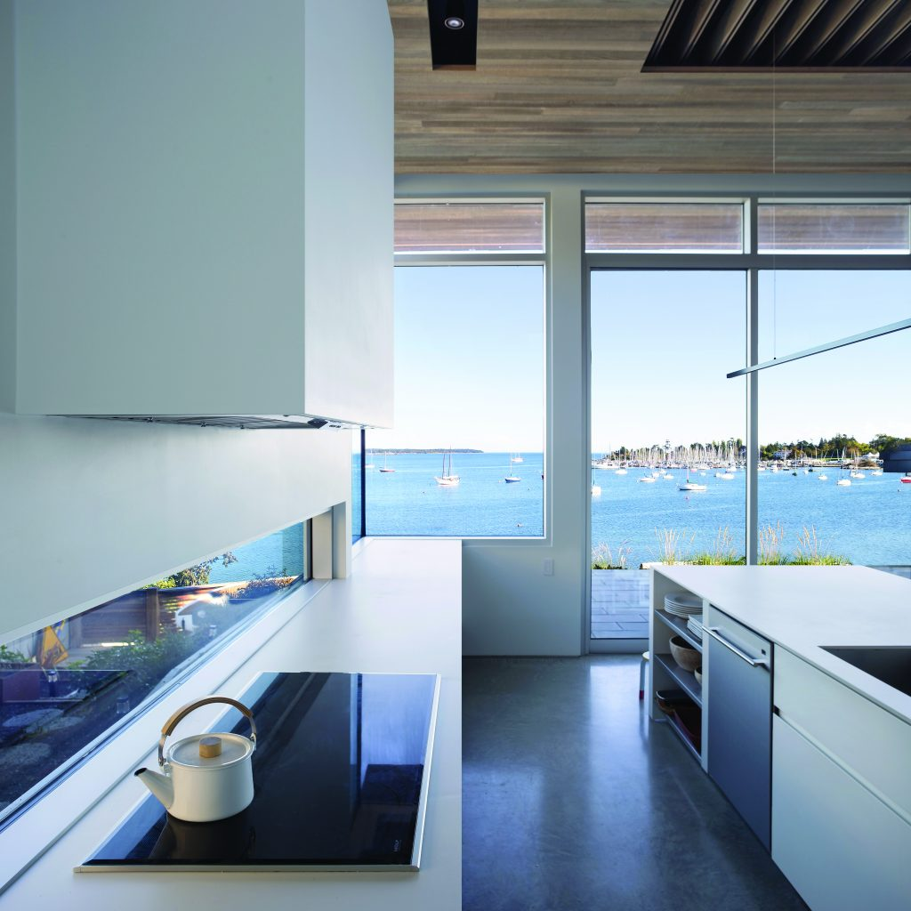 Franc D'Ambrosio, Cadboro Bay Residence. Photo Credit: Wood WORKS! BC – 2017 Wood Design Awards in B.C.