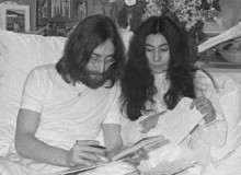 John Lennon and Yoko Ono during the famous Bed-in, held in Montreals Queen Elizabeth Hote.
