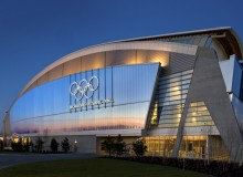 Given the significant size of the facility, some of the most important design principles operating at the Richmond Speed Skating Oval are lightness, transparency and translucency.