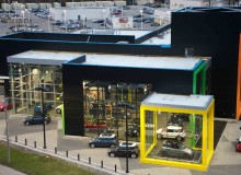 The new MINI showroom in Toronto brightens up the surrounding post-industrial area currently in transition.