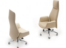 Jean-Marie Massaud created the Downtown office chair, combining ergonomics, technique and timeless elegance